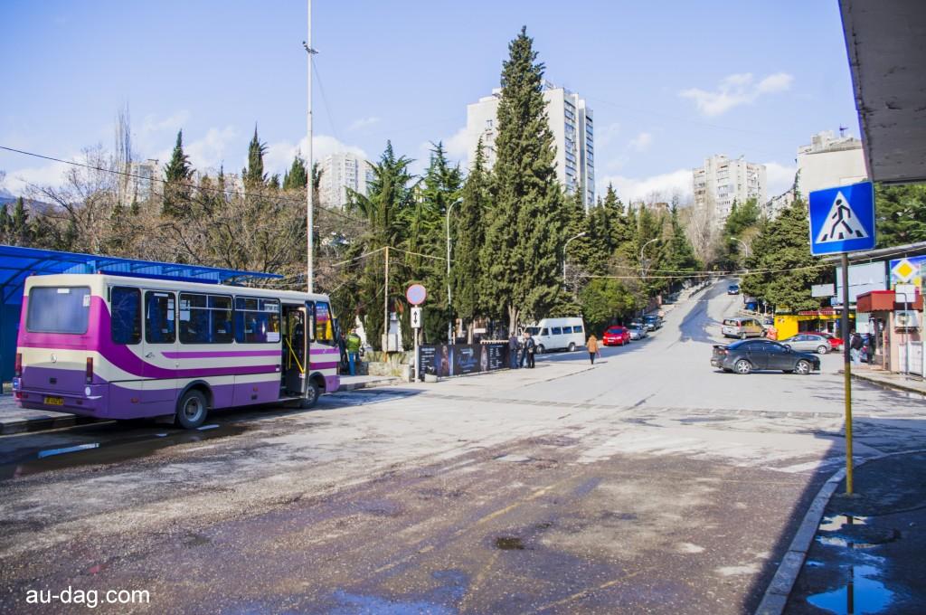 Автостанция Партенита зимой